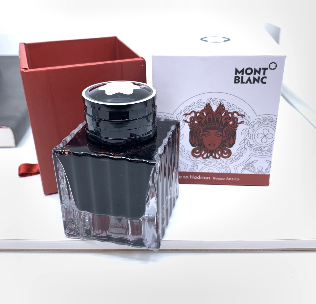 Montblanc Homage to Hadrian: Rosso Antico Review and GIVEAWAY!